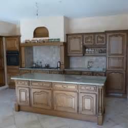renovation de cuisine en chene stunning chene une cuisine rnove du beau avec de luancien