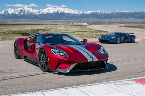 ford supercar driving the ford gt america 39 s fastest supercar the verge