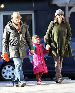 Peter Sarsgaard in Maggie Gyllenhaal And Family Walk To ...