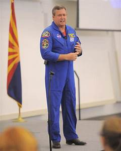 Former Astronaut Mike Foreman Encourages Students to ...