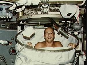 How do Astronauts wash in space? | guernseydonkey.com