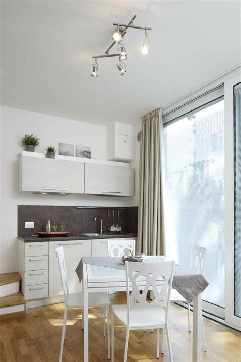 cuisines petites surfaces cuisine compacte pour studio