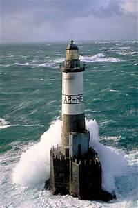 Leuchtturm Ar Men : phare d 39 ar men bretagne finist re lighthouses pinterest leuchtt rme lichthaus und sch ner ~ Buech-reservation.com Haus und Dekorationen