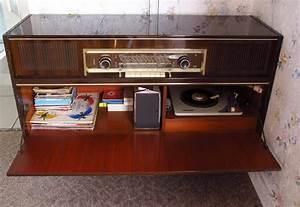 Meuble radio tourne disque grundig 1965 wood wooden for Meuble radio tourne disque grundig
