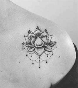 Fleur Lotus Tatouage : tatouage fleur de lotus epaule cochese tattoo ~ Mglfilm.com Idées de Décoration