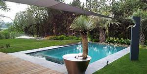 piscine architecte paysagiste thomas gentilini With decoration de jardin avec des galets 16 travertin dimapco