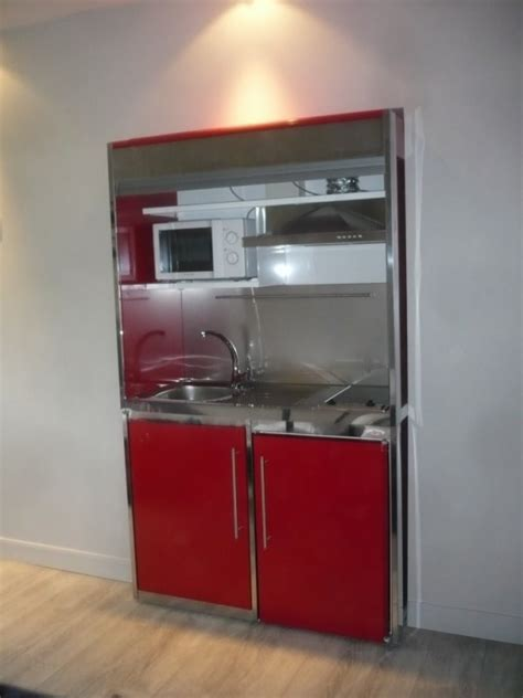 mini hotte cuisine montage d un meuble metalique avec frigo plaque