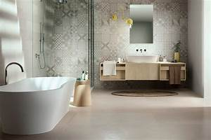 Faience Imitation Carreaux De Ciment : faience de salle de bains lorient show room de 400m ~ Dode.kayakingforconservation.com Idées de Décoration