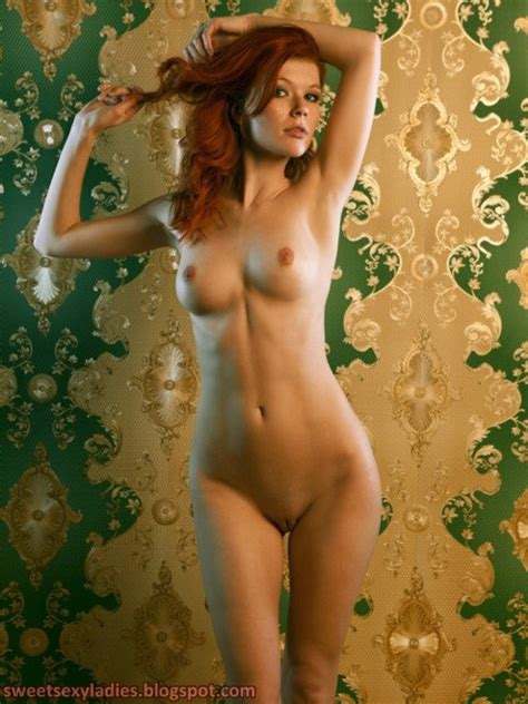 Sweet Sexy Ladies Naked Redhead Full Frontal