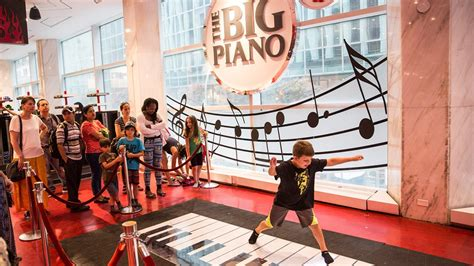 Whether it's for a holiday, a birthday or just because—great kids' toys are sure to delight your child. Iconic toy store FAO Schwarz to reopen in NYC this holiday season | wkyc.com