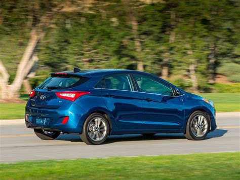 Hyundai Hatchback Cars by 10 Large Hatchback Cars For 2016 Autobytel