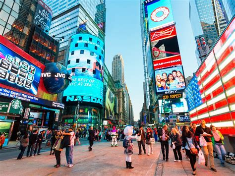 time square what not to do in times square cond 233 nast traveler