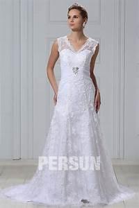 robe de mariee dentelle vintage encolure en v a traine With robe de mariée vintage dentelle