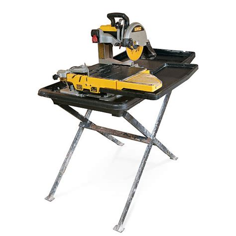 Dewalt Tile Saw Water by D24000 Saw Review Homebuilding