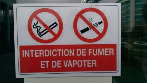 cigarette electronique bureau de tabac panneau interdiction de fumer dans les lieux publics