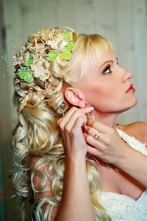 wedding hairstyles  curly  bride
