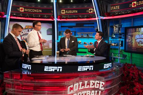 ESPN debuts redesigned studio for ABC college football ...