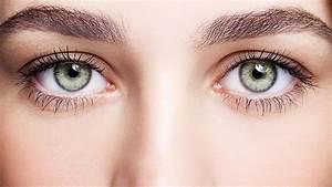 Grüne Augen Häufigkeit : gr ne augen schminken diese nuancen passen zu ihrer augenfarbe ~ Frokenaadalensverden.com Haus und Dekorationen