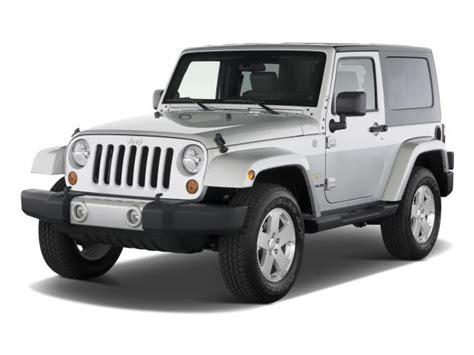 silver jeep 2 door image 2010 jeep wrangler 4wd 2 door sahara angular front