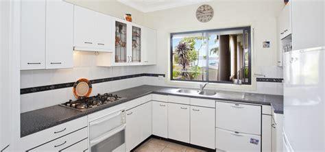 element armoire cuisine bien choisir une armoire de cuisine decoration maison