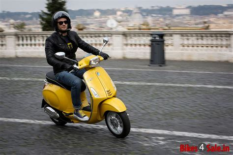 Lambretta V125 Special Hd Photo by The Stunning Picture Of A The Vespa Sprint 125