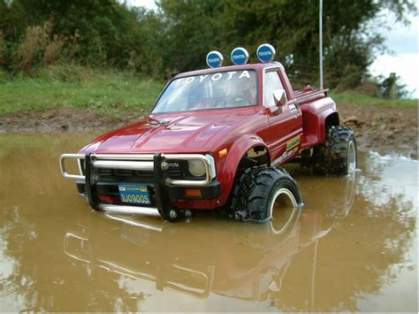 58028 toyota 4x4 up from stevo309 showroom time for a facelift tamiya rc radio