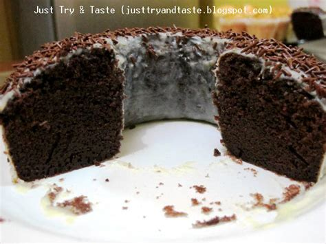 Sebenarnya nih, saya sedikit bingung antara brownies dan bolu kukus itu apa sih bedanya? Resep Cake Coklat Kukus (Steamed Moist Chocolate Cake)   Just Try & Taste