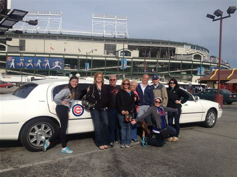 Limousine Service Chicago by Choosing The Right Limousine Company Chicago Limo