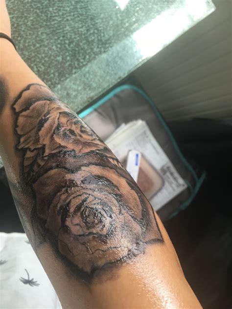 schwarzes tattoo abheilen silberhaut taetowieren