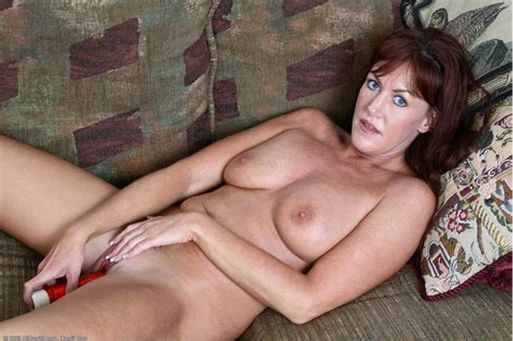 #Masturbation #Mature #Woman #Who