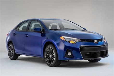 The base toyota corolla sedan has a starting msrp of $20,025, while the corolla hatchback has a base price of $20,665. A First Look at the Newly Redesigned 2014 Toyota Corolla