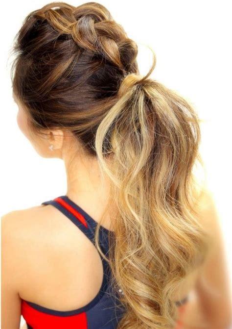 proste fryzury  warkoczem na  dzien