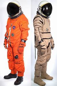 Space Suits on Pinterest | Retro Futurism, Science Fiction ...