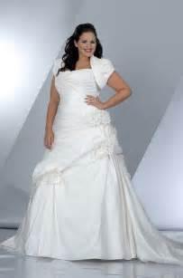 wedding dresses uk 20 modern plus size wedding dresses magment