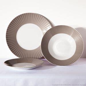 vaisselle coloree pas cher service de table jetable pas cher