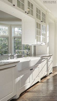 built in kitchen cabinet 1000 images about classic kitchens on classic 4987