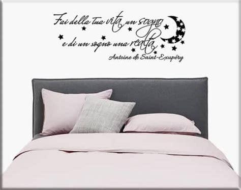 adesivi parete da letto adesivi murali frasi aforismi un nuovo modo per arredare