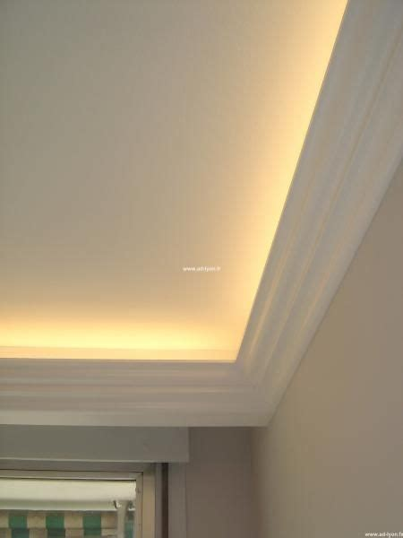 le de plafond pour chambre les 25 meilleures idées de la catégorie éclairage corniche