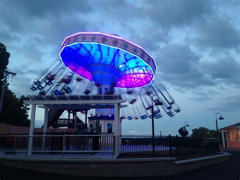 Seabreeze Amusement Park - Wave Swinger