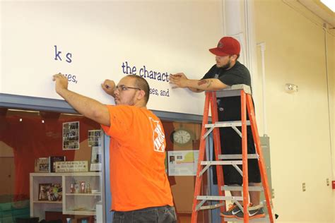Home Depot Safford Az by Home Depot Helps Students Get New Studio Local