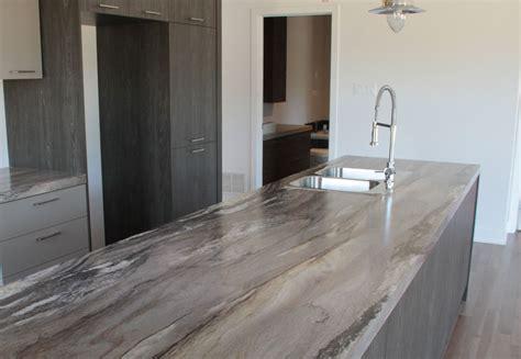 armoir de cuisine armoire de cuisine mélamine grise et bois