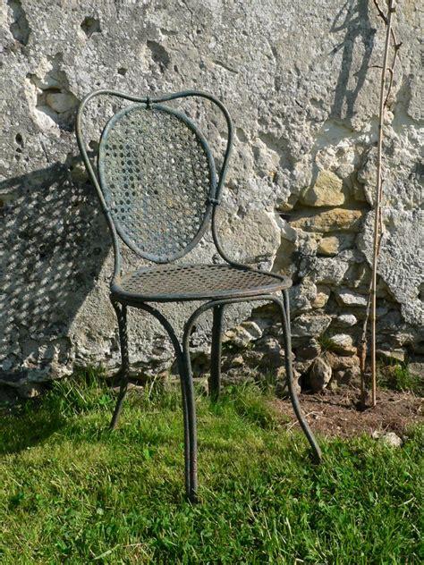 chaise métallique chaise de jardin ancienne xixe en fer forgé cannage