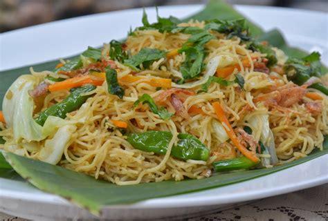 2 buah daun bawang : Resep Chinese Food: Resep Bihun Goreng Special