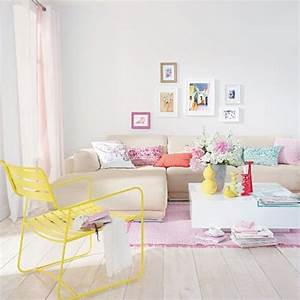 25 pastel living rooms with small space ideas home for Pastel colored rooms
