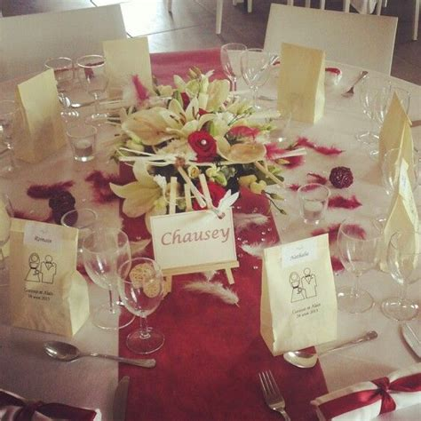 decoration de table theme bordeaux  ivoire wedding