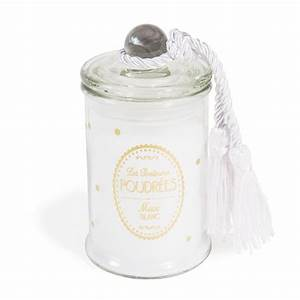 Bougie Parfumée Maison : bougie bonbonni re parfum e musc blanc blanche h 11 cm maisons du monde ~ Teatrodelosmanantiales.com Idées de Décoration