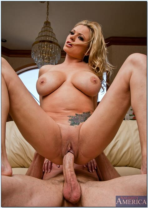 Pretty Whore Briana Banks Getting Drilled And Creampied On