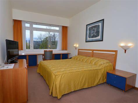hotel chambre familiale tours hôtel à l 39 entrée du parc de plitvice pour votre séjour