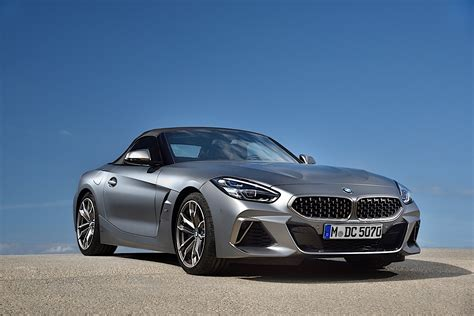 The 2020 z4 may be longer and wider, but it's only 24 pounds heavier than the outgoing model (the m40i is about 90 pounds less than the 35is). 2020 BMW Z4 Roadster Shows Stunning Details in New Photo ...