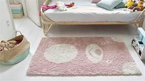 Tapis Rose Pastel : chambre d 39 enfant quelle couleur choisir c t maison ~ Teatrodelosmanantiales.com Idées de Décoration